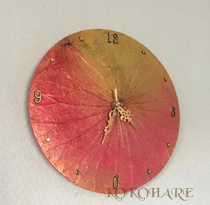 蓮の葉の掛け時計